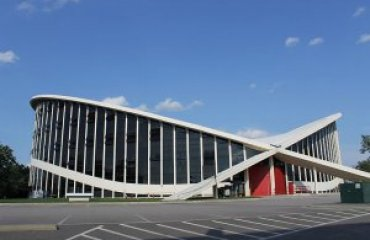 Dorton Arena by Leah Rucker licensed under the terms of the CC BY-SA 3.0