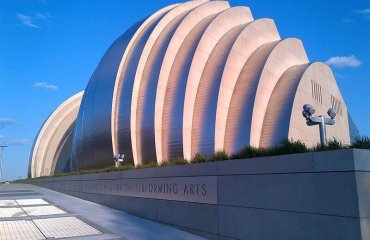 Kauffman Center for the Performing Arts by Burdettekevin licensed under the terms of the CC BY-SA 3.0