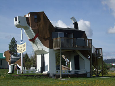 Sweet Willy Dog Park Park Inn by Graystock is licensed under CC BY-SA 3.0