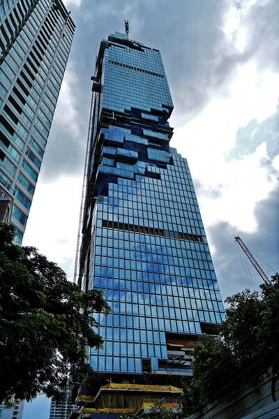 MahaNakhon Tower unfinished (Bangkok Thailand) by tongeron91 is licensed under CC BY-SA 2.0