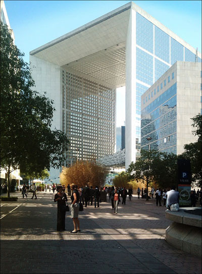 """Grande Arche"" by Thomas Münter is licensed under CC BY 2.0"