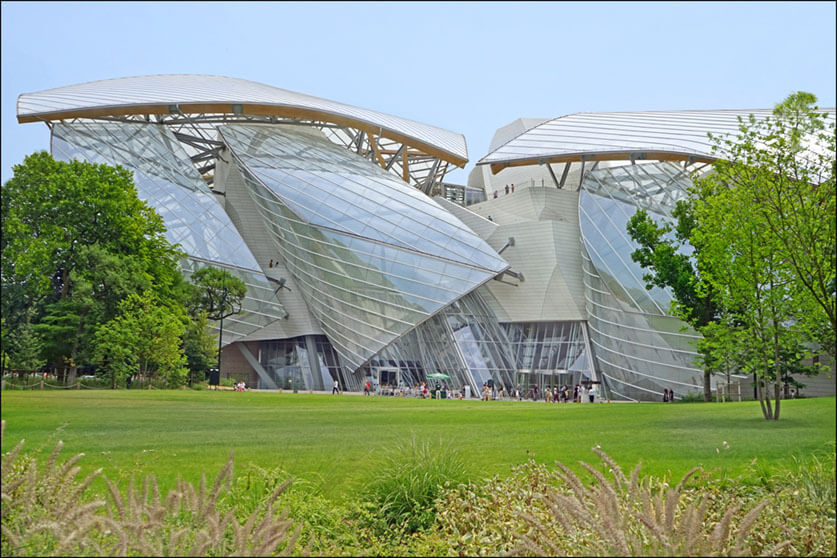 """La Fondation Louis Vuitton (Paris)"" by Jean-Pierre Dalbéra is licensed under CC BY 2.0"
