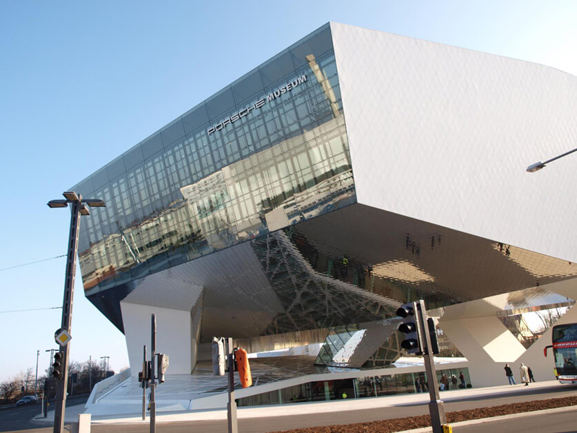 """Porsche Museum 2009"" by c1h2r3i4s5t6i7a8n9b10r11u12n13 is licensed under CC BY-ND 2.0"