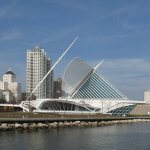 """Milwaukee Art Museum"" by JohnPickenPhoto is licensed under CC BY 2.0"