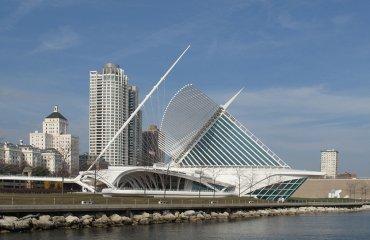 """""""Milwaukee Art Museum"""" by JohnPickenPhoto is licensed under CC BY 2.0"""
